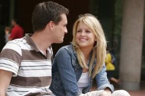 Що робити, якщо при знайомстві з дівчиною до вас підійшов її хлопець?