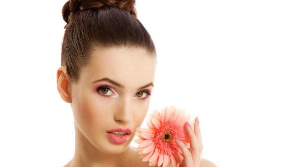 Чи потрібно ходити в салони краси?