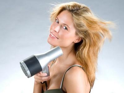 Як боротися з електризацією волосся взимку?