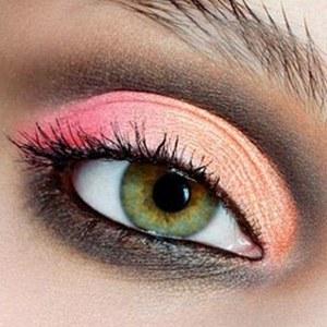 Косметика для очей - краса коштує жертв?