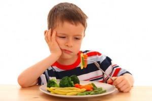 Як змусити дітей їсти овочі