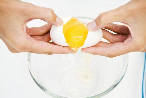 Чим яйця корисні для волосся?