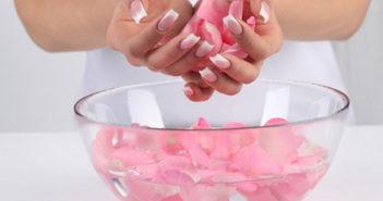 Домашні ванночки для зміцнення нігтів