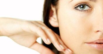 Як візуально приховати розширені пори на обличчі?