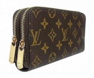 купуючи брендовий сумку?