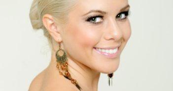 Кольори для блондинок - створюємо ідеальне поєднання!