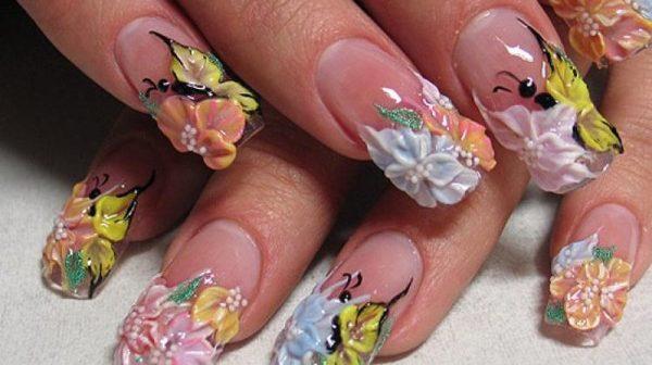«За» і «проти» акрилових нігтів