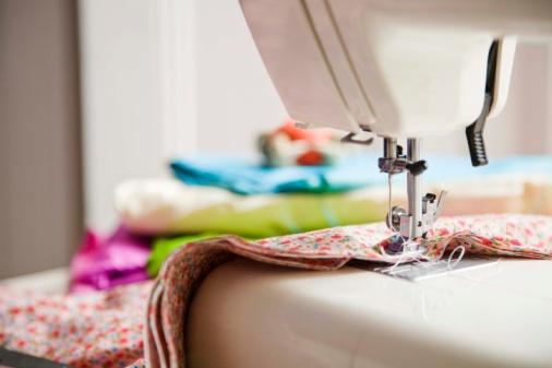 Шить на машинке швейной