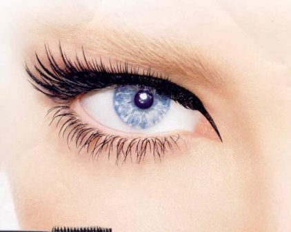 Чи шкідливо фарбувати очі тушшю?