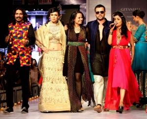Bollywood-Maharana-Arvind-Singh-At-Rajasthan-Fashion-Week-6