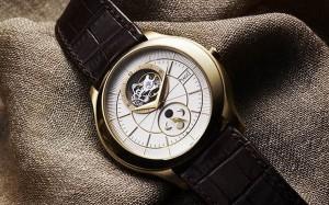 Костюмный-стиль-мужских-наручных-часов-Piaget-Gouverneur