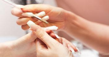 Звідки з'явилося нарощування нігтів? Коротка історія