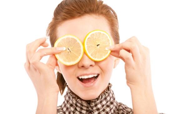 Лимон проти прищів і проблемної шкіри