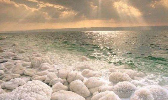 Ізраїльська косметика з мінералами Мертвого моря: чим відрізняється від звичайної?