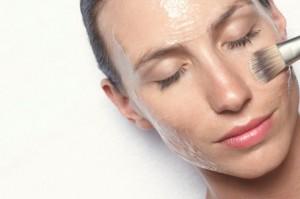 Косметичні процедури для жирної шкіри