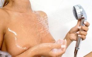 Догляд за грудьми: щоб шкіра була пружною і підтягнутою