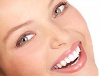 Відбілювання зубів народними засобами: дешево і ефективно