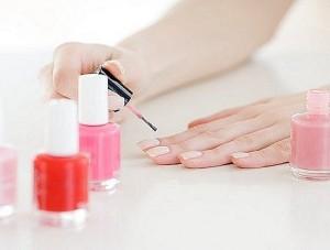 Чи небезпечно нарощувати нігті вагітним жінкам?