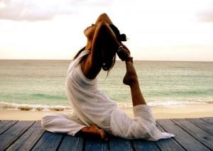 йога-для-похудения-на-море